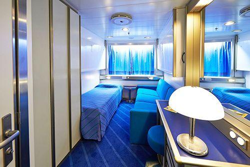 traversate notturne sui traghetti sardinia ferries. Black Bedroom Furniture Sets. Home Design Ideas